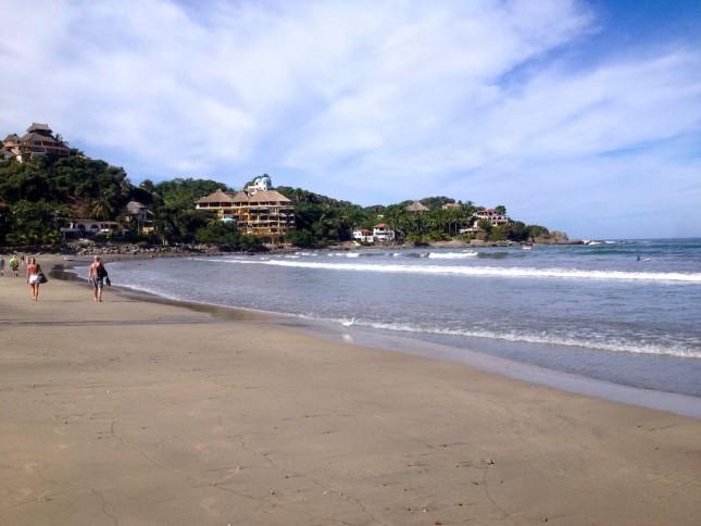 Surfen lernen kann man hier gut: Sayulita Mexiko Surfbeach