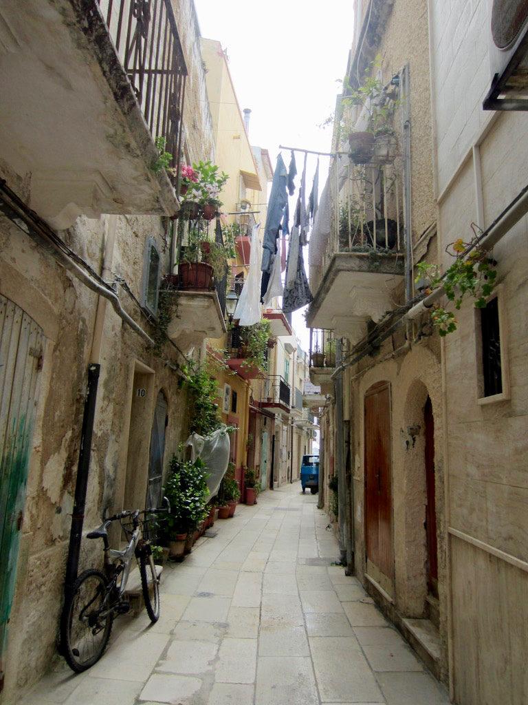 Bari Balkone Italien