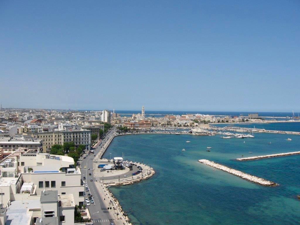 Apulien Italien: Die Stadt Bari
