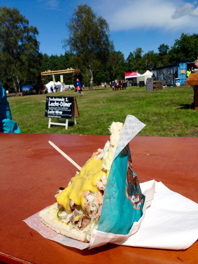 "Lachsdöner beim ""A Summer's Tale""-Festival in der Lüneburger Heide"