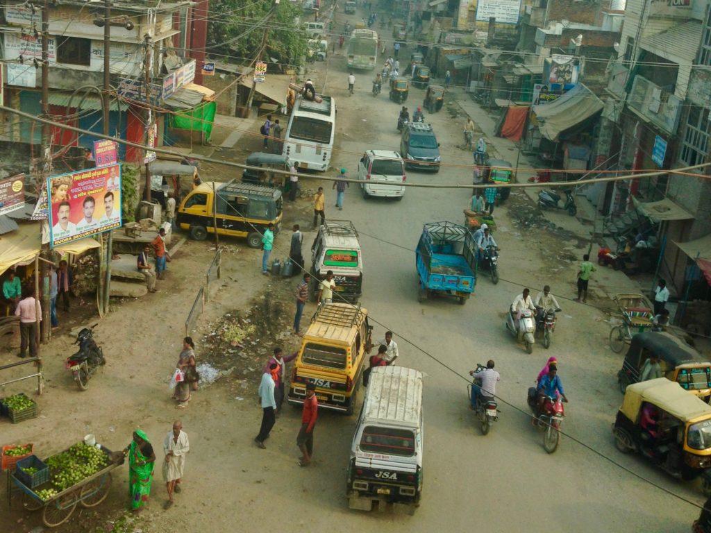 Varanasi am Ganges, Indien: Laut, voll, chaotisch