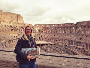 Leben in Italien: Annett in ihrem Lieblingsmonument, dem Kolosseum
