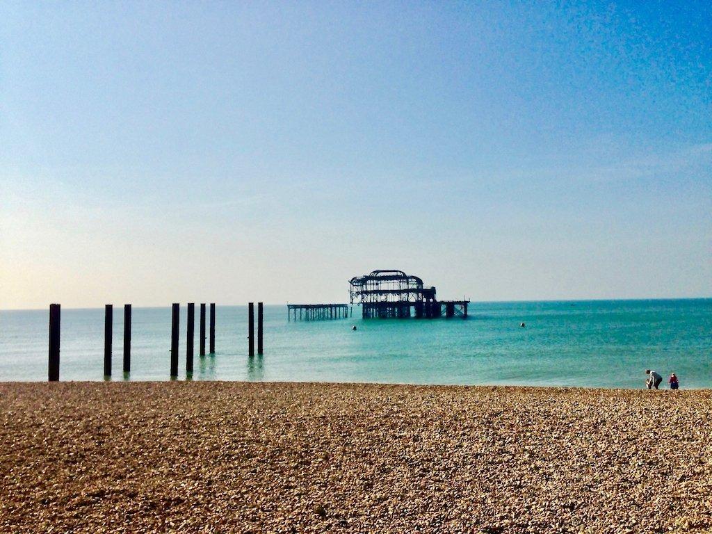 Wie ein Mahnmal steht er im Wasser: Brightons West Pier