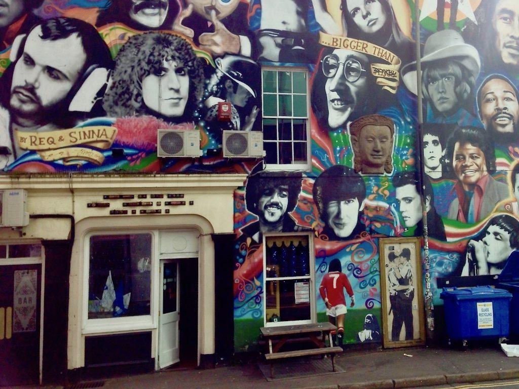 Urlaub in Brighton: Banksy an der Pub-Wand