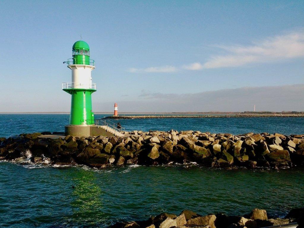 Leuchtürme an der Warnemünder Hafeneinfahrt. Mehr über Rostock bald auf dem Blog!