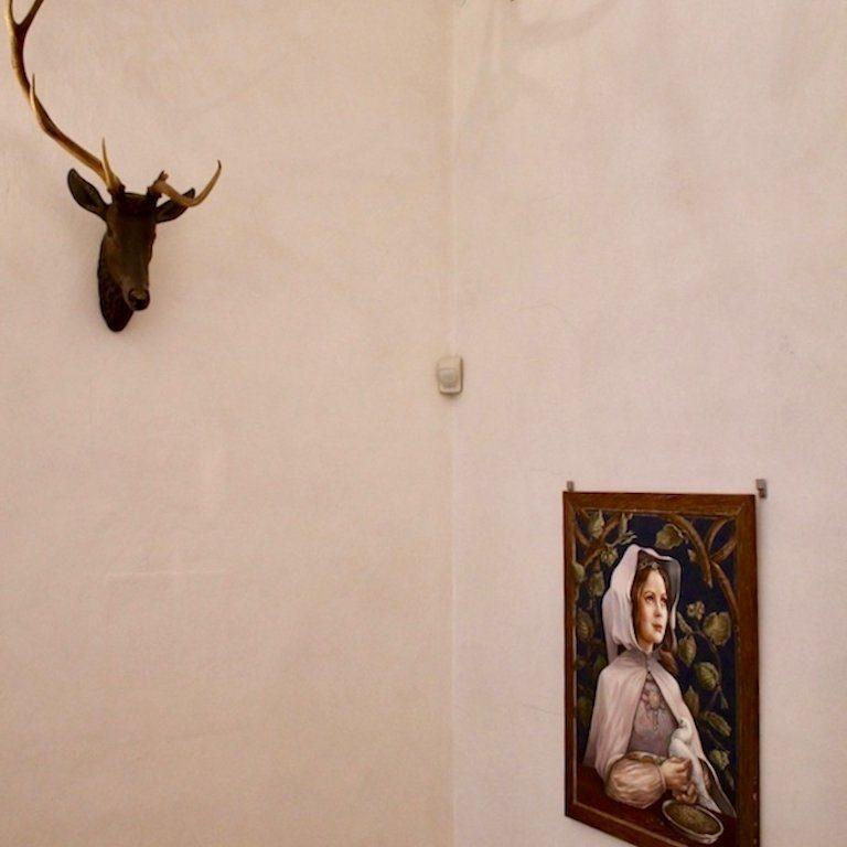 Drehort Drei Haselnüsse für Aschenbrödel: Wanddeko im Schloss Moritzburg