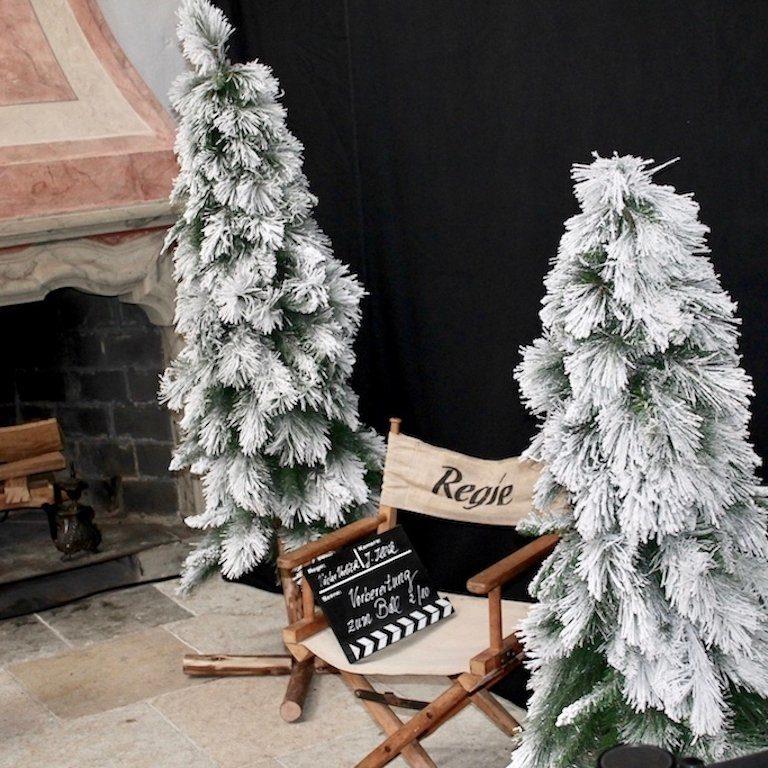 Drei Haselnüsse für Aschenbrödel Drehort: Regie-Stuhl