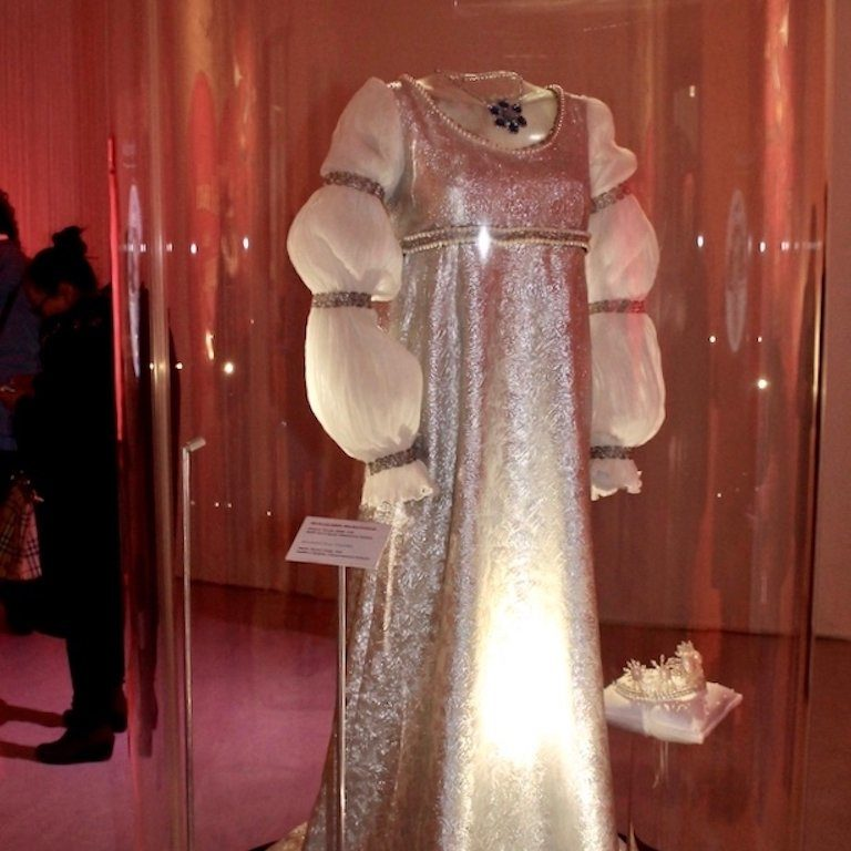Drei Haselnüsse für Aschenbrödel: das Hochzeitskleid
