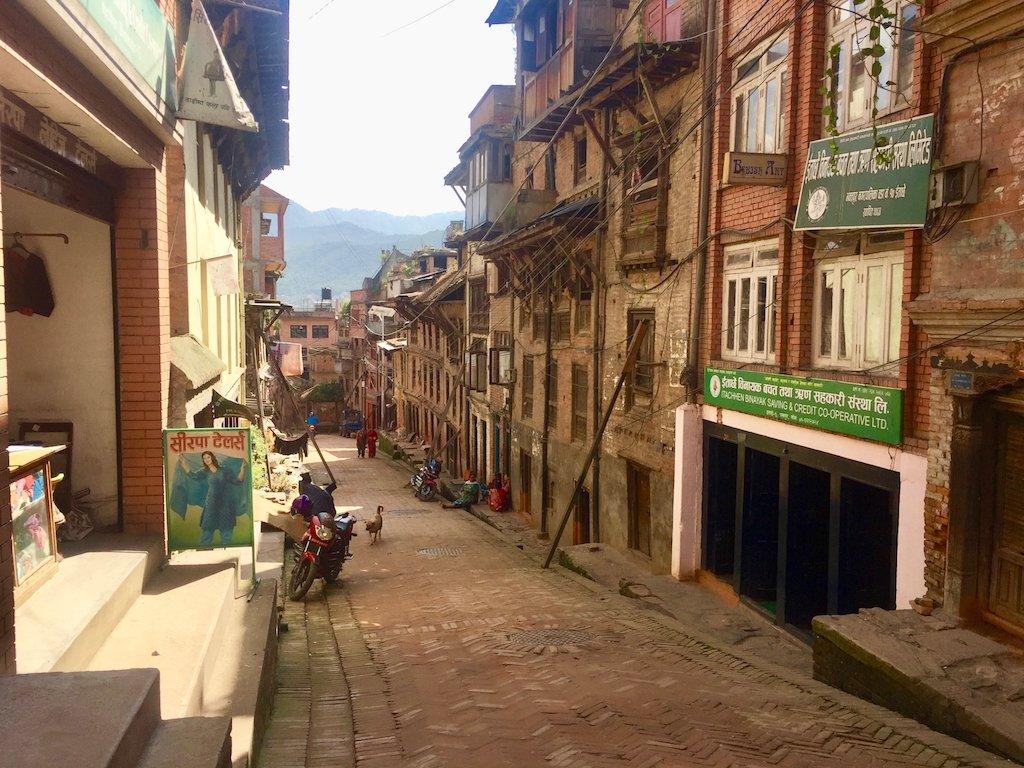 Sehenswürdigkeiten in Kathmandu und mehr: Strasse in Bhaktapur