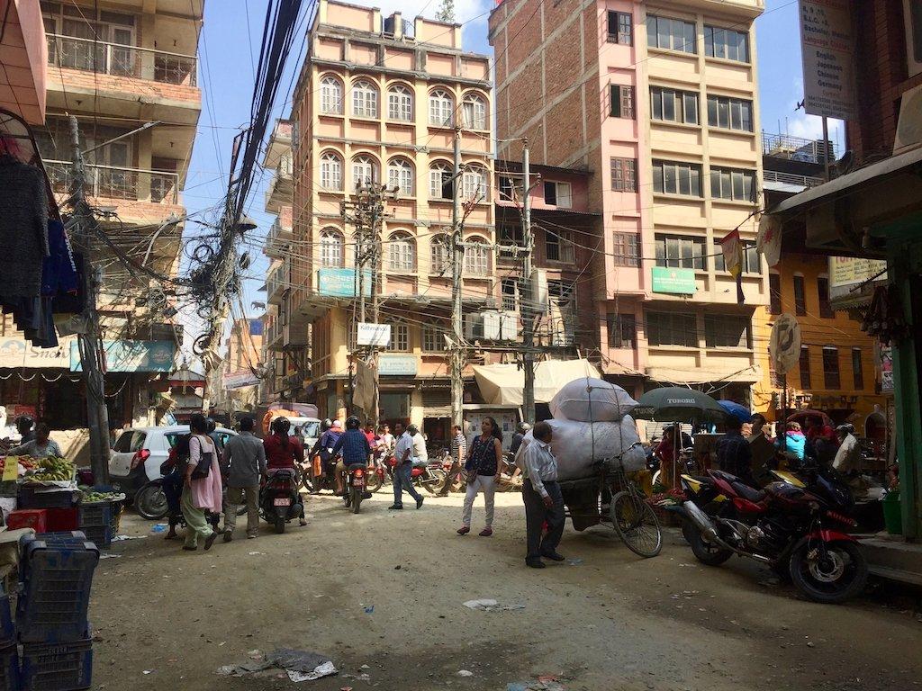 Sehenswürdigkeiten Kathmandu: Das sind auch die Kabel