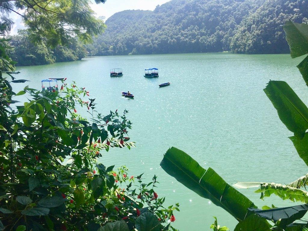 Sehenswürdigkeiten in Kathmandu und Pokhara: Phewa Lake