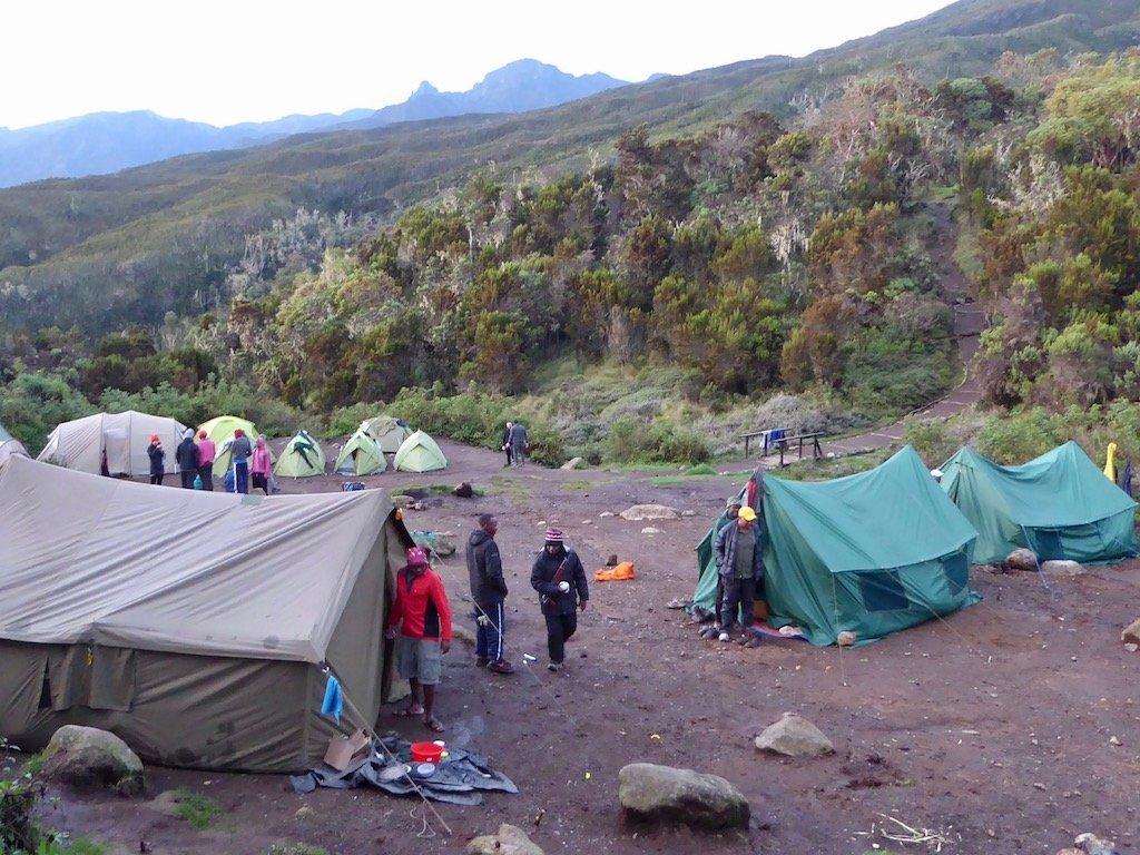 Kilimandscharo-Besteigung: Abends im ersten Camp namens Machame Camp