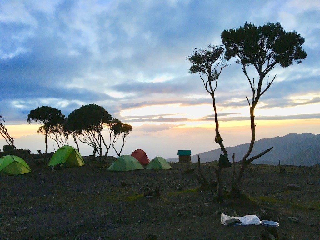 Kilimandscharo-Besteigung: Camp-Romantik im Shiva Camp