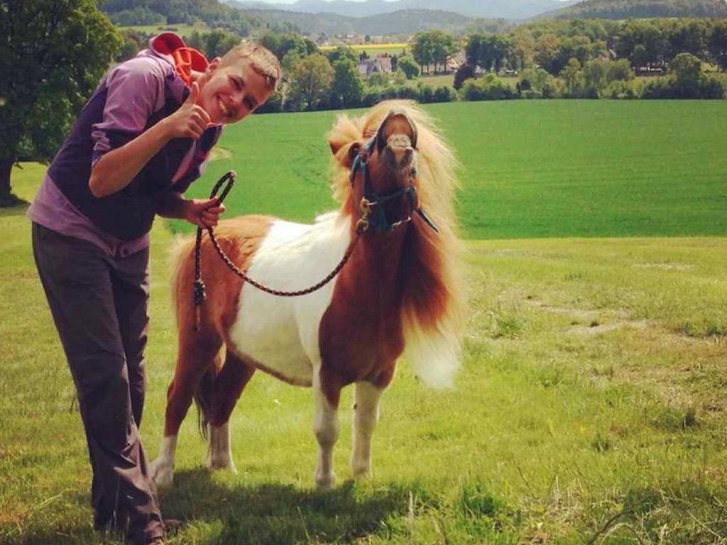 Wandern mit Pferd: Sarah und ihr Pony Egon