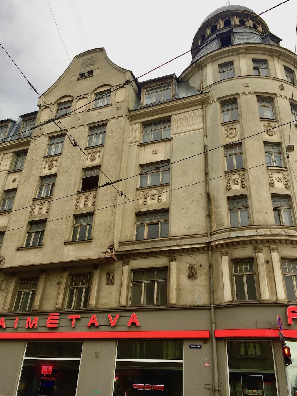 Auch gewissermaßen Riga Sehenswürdigkeiten: Leerstand in der Brivibas iela