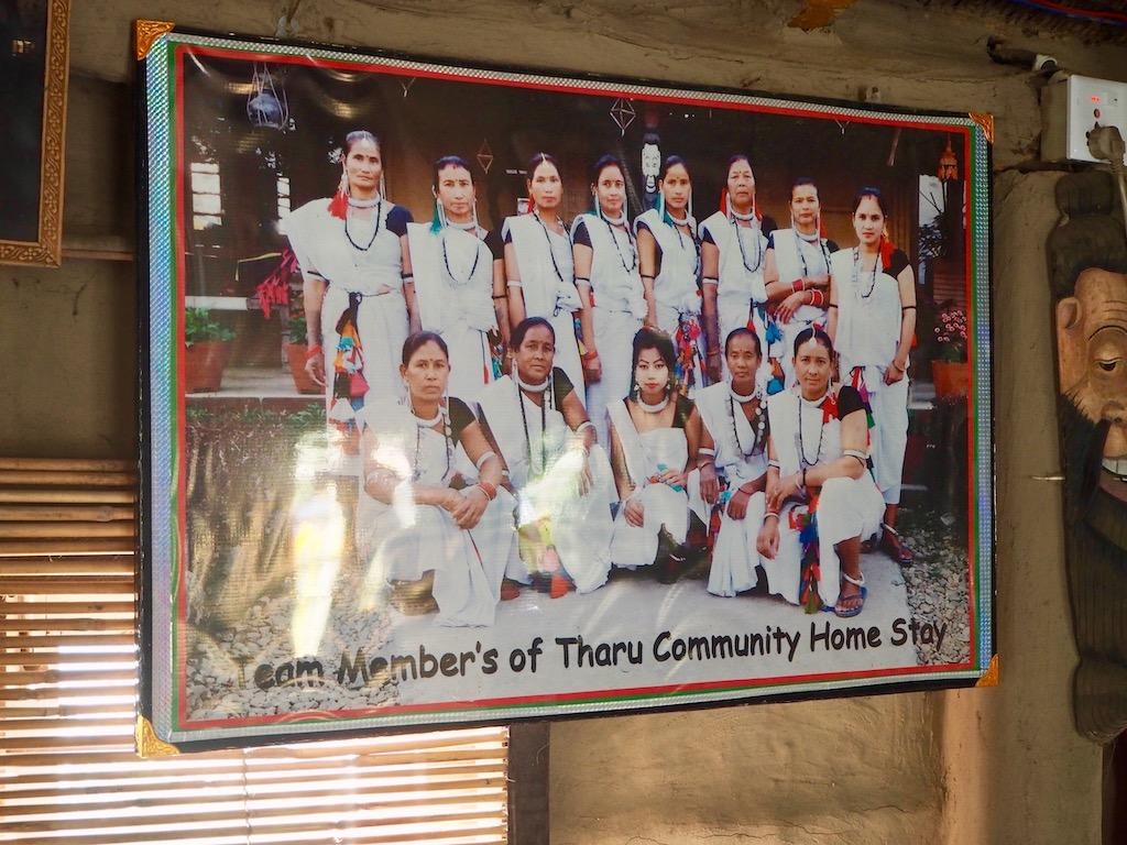 Die Tharu-Frauen, die im Tharu Community Homestay mitwirken, nahe Sauhara, Chitwan Nationalpark