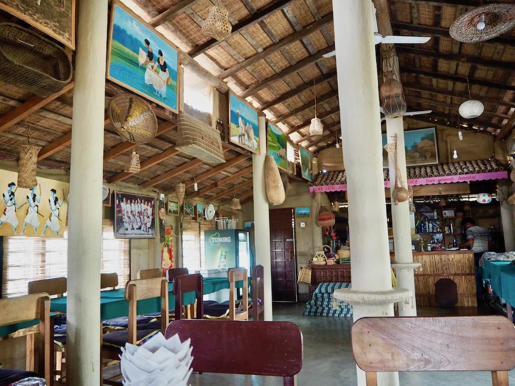 Speisesaal im Tharu Community_Homestay_Sauhara_Chitwan_Nationalpark