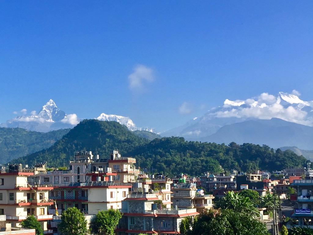 Nachhaltig Reisen in Nepal Machapuchare von Pokhara aus