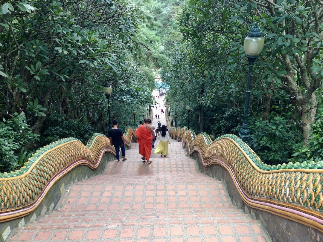 Treppe am Wat Phra That Doi Suthep