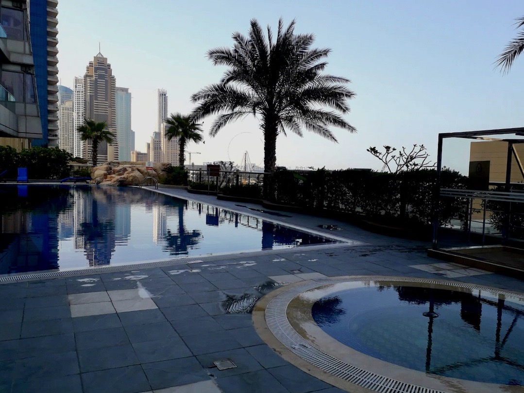 Leben in Dubai: Wohnhaus mit eigenem Swimmingpool