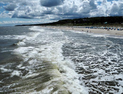 Sehnsucht nach Meer: Ostseewellen in Zinnowitz