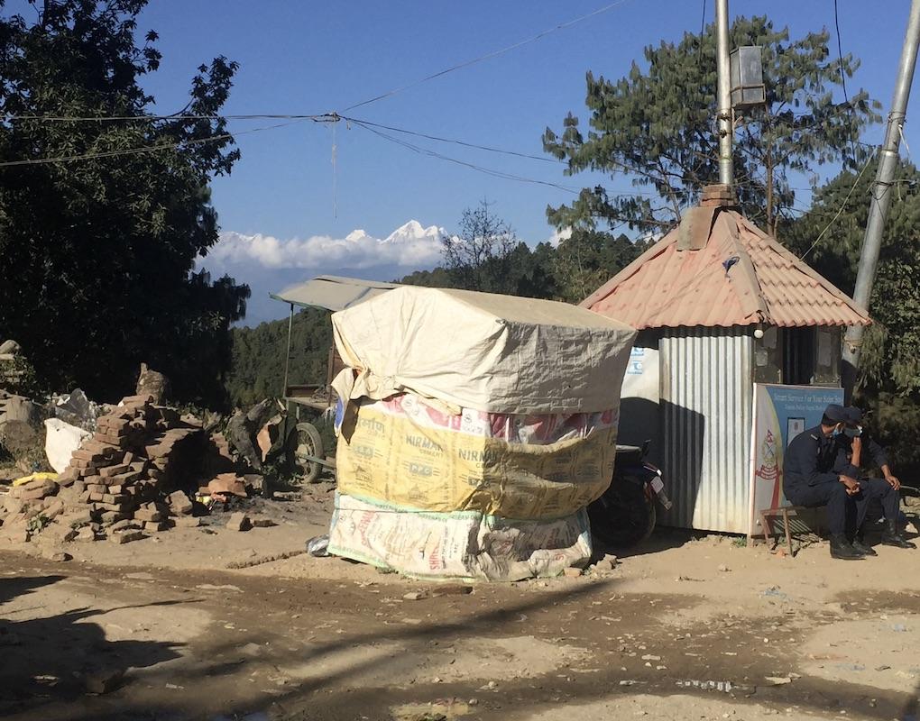 Zementsaecke in Nagarkot